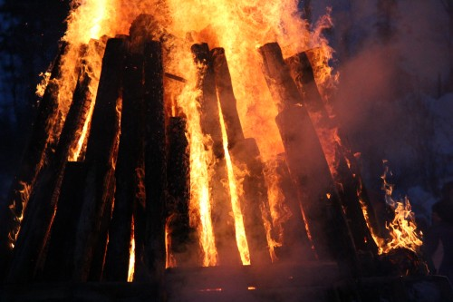 These guys know how to create a heck of a warm giant bonfire at Suicide Hill Ishpeming