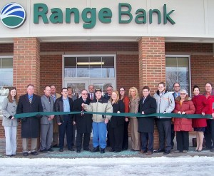 Range Bank holds ribbon cutting ceremony for new branch in Negaunee, MI.